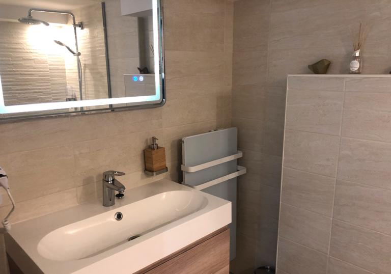 salle de bain2 768x538 - Accueil